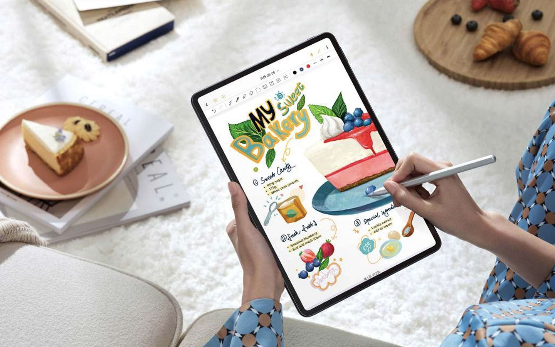 Huawei выпустила ряд смартфонов, умных часов и планшетов на базе своей новой операционной системы HarmonyOS 2